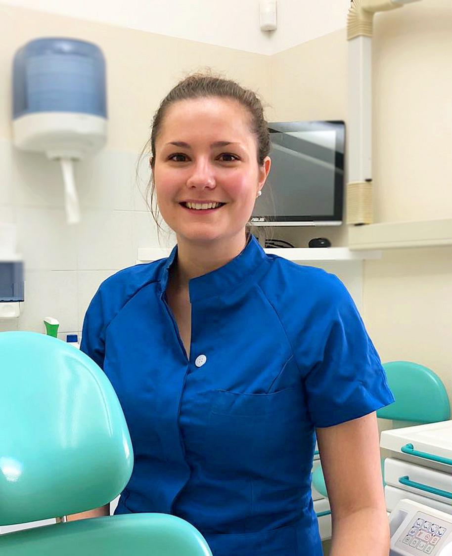 Chiara Facchinetti, assistente alla poltrona nello studio dentistico
