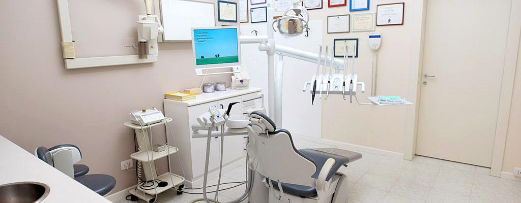 Panoramica della sala odontoiatrica del dott. Anderluzzi, facilmente raggiungibile da Illasi (Verona)